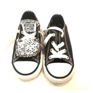 Coverse All star size 6
